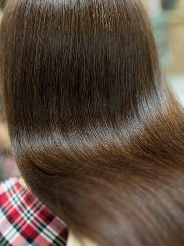 Бережное выпрямление волос